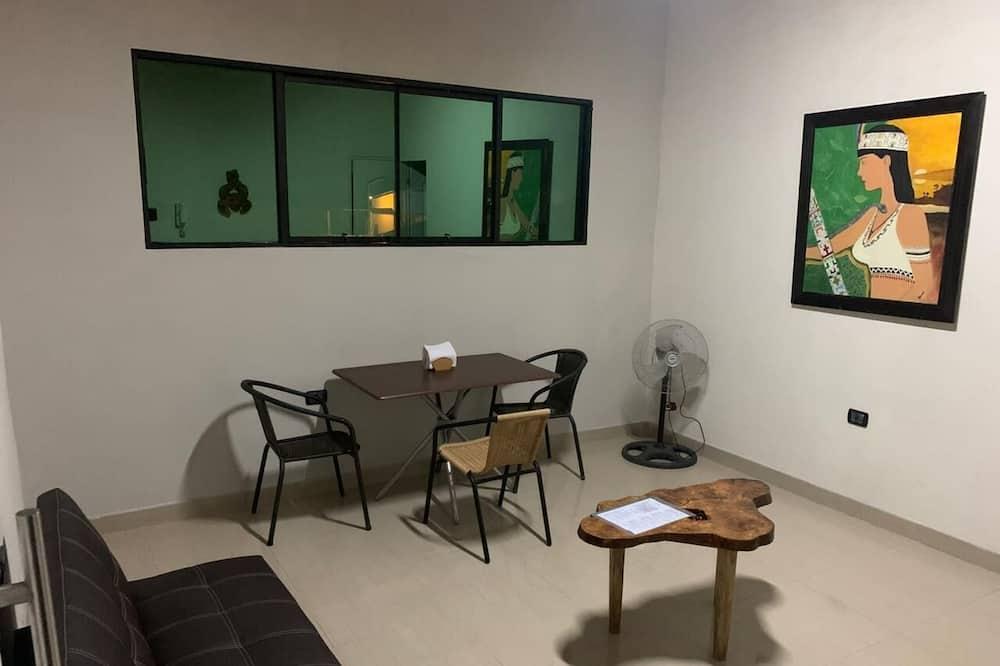 Standartinio tipo apartamentai - Vakarienės kambaryje