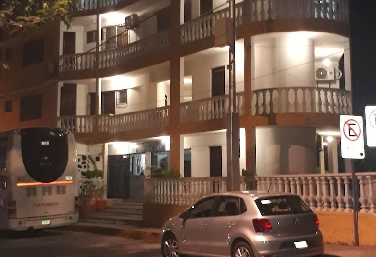 Hotel Marvel Inn, Acapulco, Hadapan Hotel - Petang/Malam