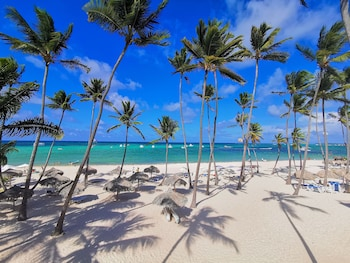 Enter your dates for special Punta Cana last minute prices