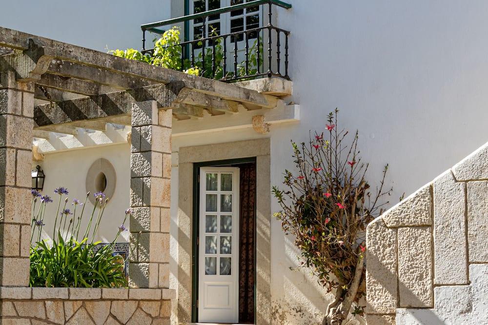 Twin Room, Garden View - Courtyard View