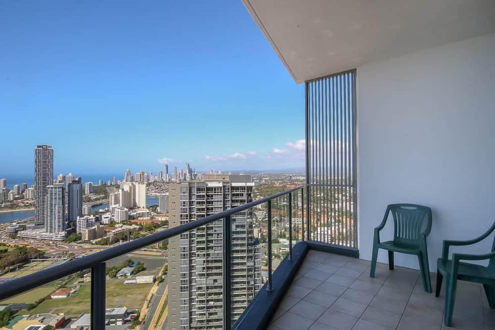Apartemen (3 Bedrooms) - Balkon