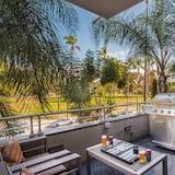 Dzīvokļnumurs, vairākas gultas (Balboa Buyout - Sleeps 20! Condo w Vi) - Balkons