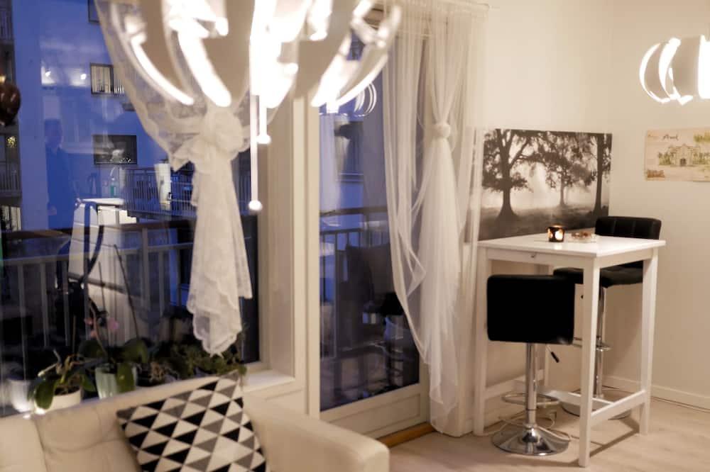 Міські апартаменти, 2 спальні, спільна ванна - Житлова площа