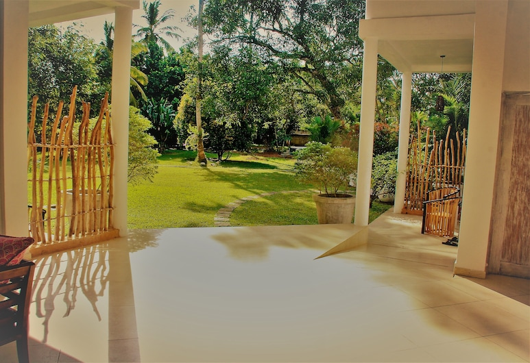 Villa South, Unawatuna, บริเวณประตูทางเข้า