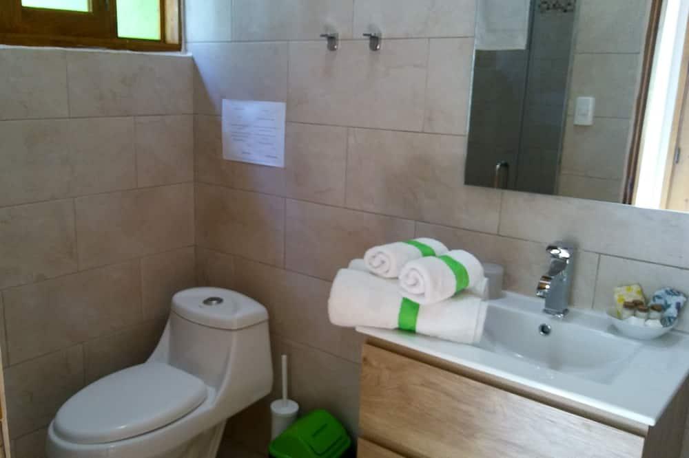 Room, 1 Queen Bed, Non Smoking, Garden View - Bathroom