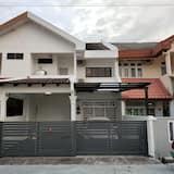 58 Kota Laksamana - Near Jonker Street for 10 - 15 Pax