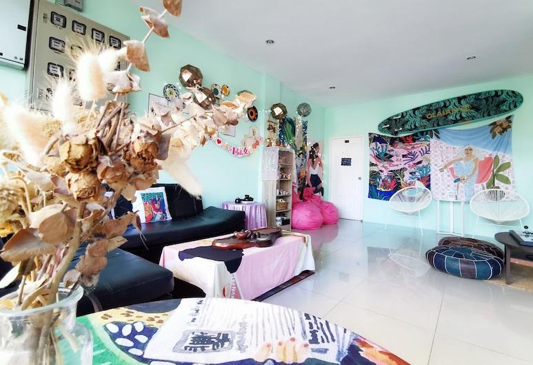 The Lantine Hostel, Patong