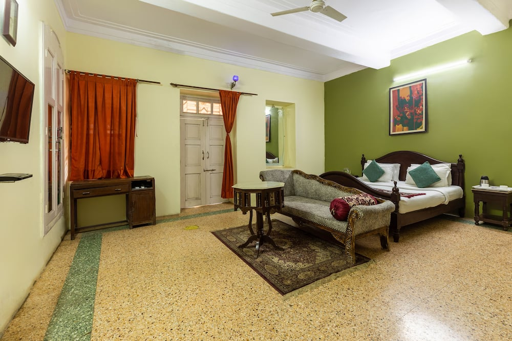 Deluxe Room (AC) - Living Area