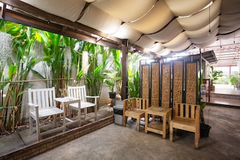 Picture of OYO 708 All Red Hostel Chiang Mai in Chiang Mai