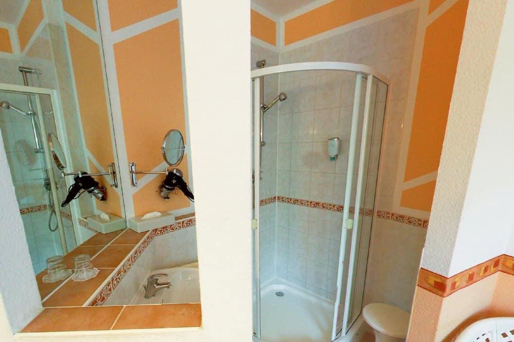 スタンダード ダブルルーム - バスルームのシャワー