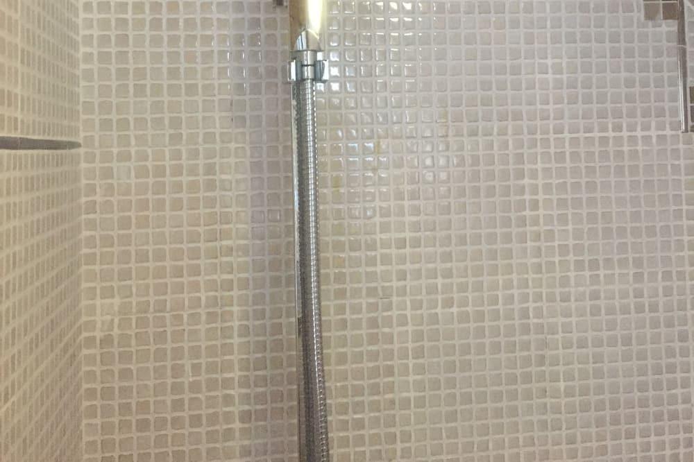 ห้องคอมฟอร์ทดับเบิล (101) - ห้องน้ำ