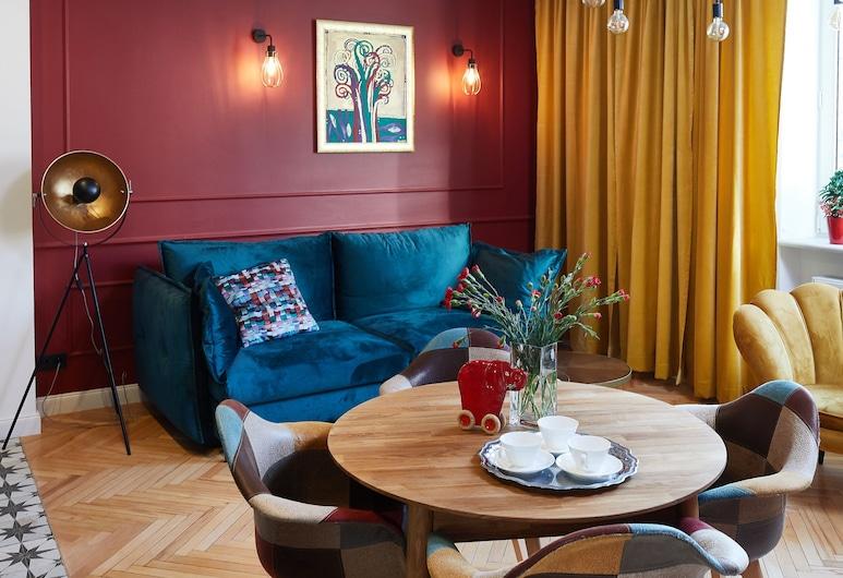 Designer Apartment in the Old Town, وارسو, شقة ديلوكس, غرفة معيشة