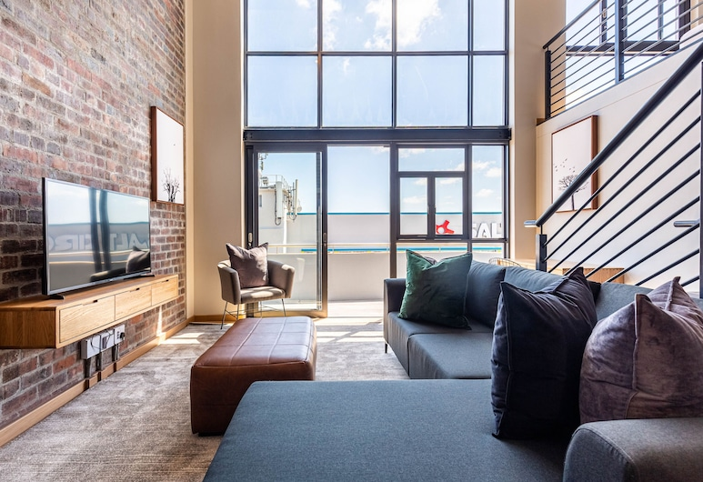 Urban Artisan Aparthotel by Totalstay, Cape Town, Superior Apartment, Living Area