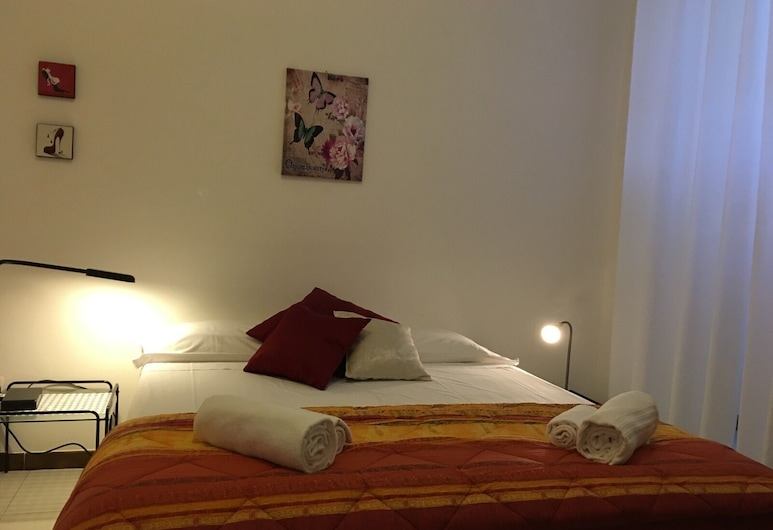 Fedora Piazza Re di Roma, Rome, Apartment, 2 Bedrooms, Room