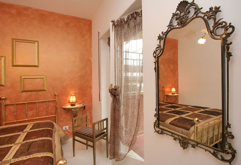 Isidora Cozy flat Trastevere, Rome, Apartment, 2 Bedrooms, Room