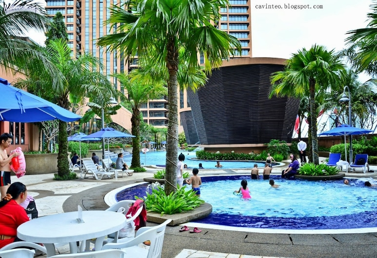 New Serviced Residences At Bukit Bintang, Kuala Lumpur, Pool