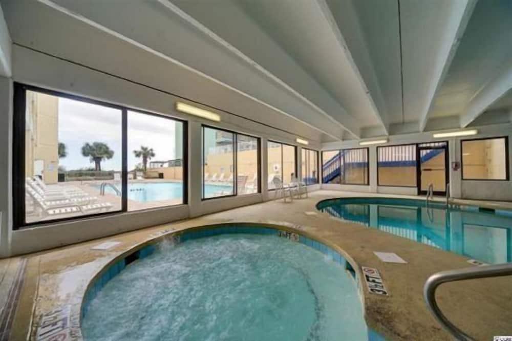 單棟房屋 - 泳池
