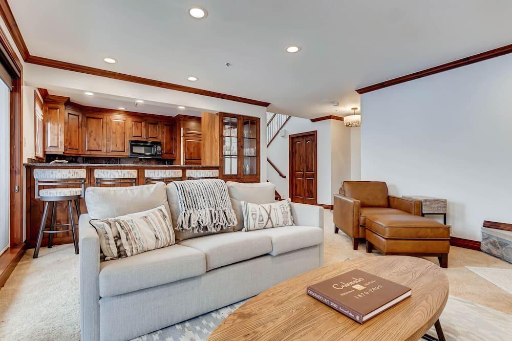 Apartment, Mehrere Betten (Centennial Condo Unit 27) - Wohnzimmer