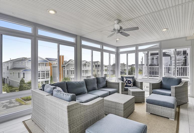 220 Oceanview Parkway by Long & Foster, Bethany Beach, Ferienhaus, 6Schlafzimmer, Wohnzimmer