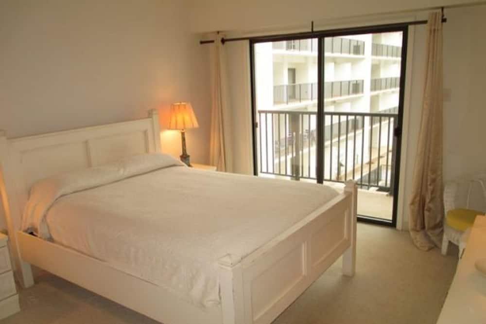 Condo, 2 Bedrooms - Room