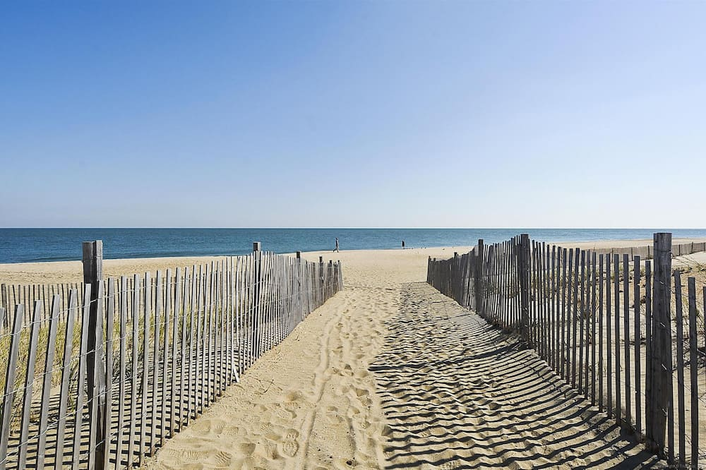 คอนโด, 2 ห้องนอน - ชายหาด