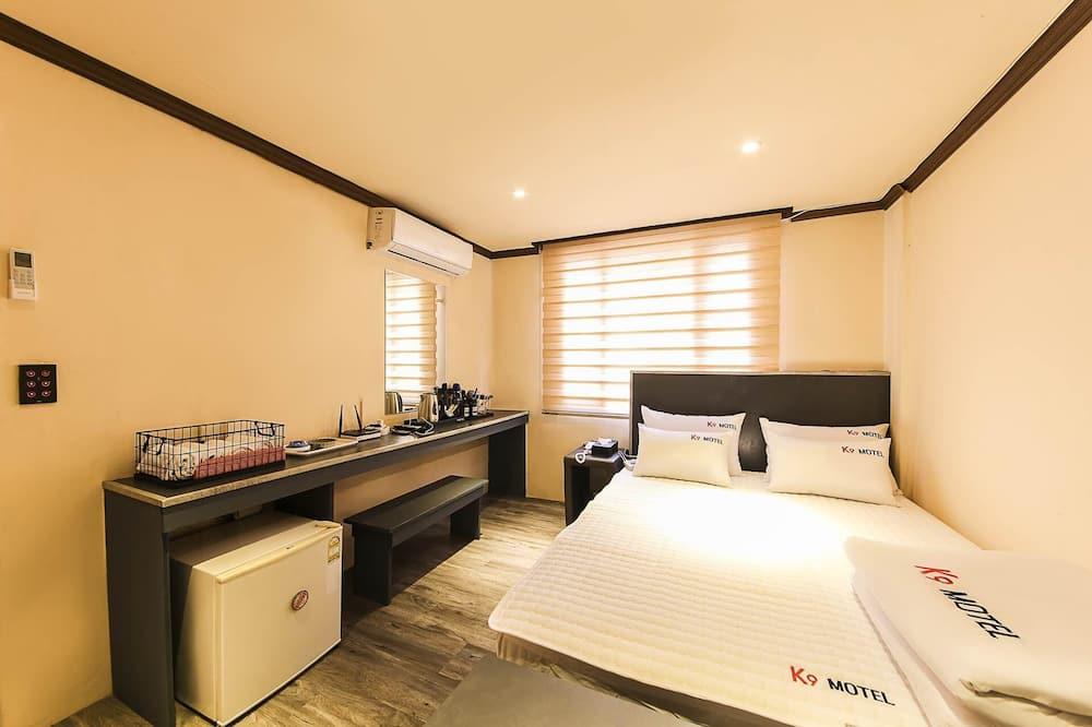 Room (Regular Room) - Bilik Tamu