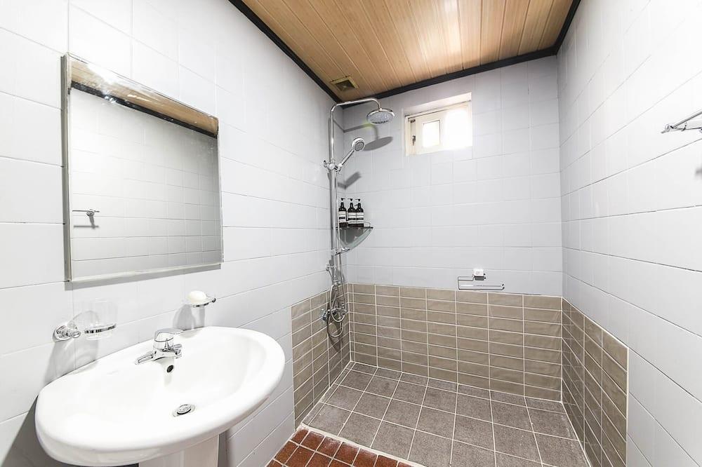 Room (Regular Room) - Bilik mandi