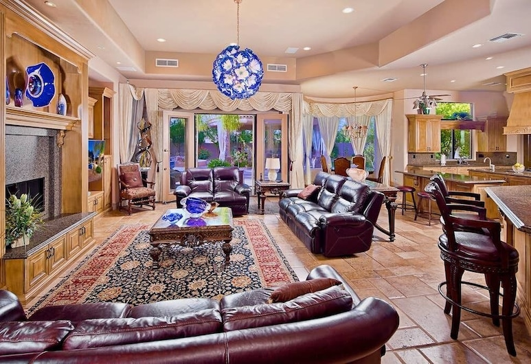 Paradise Retreat, Paradise Valley, Living Room