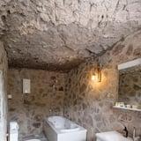 Kamar Standar (Stone House) - Kamar mandi