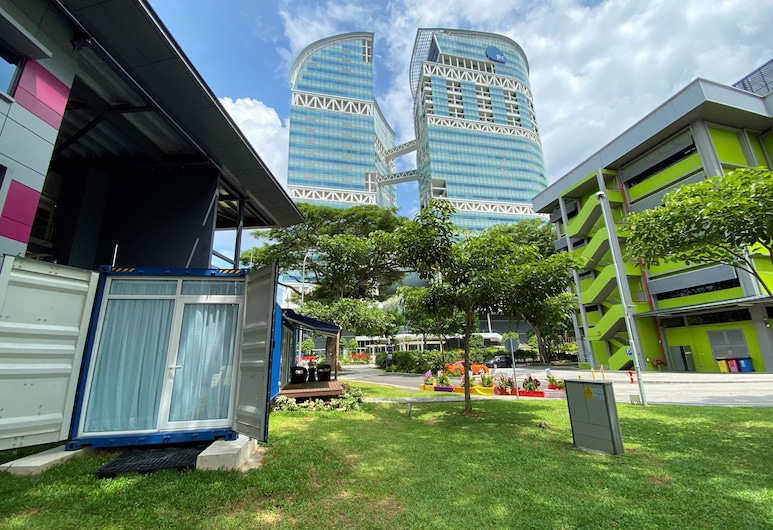 Shipping Container Hotel, 新加坡, 飯店正面