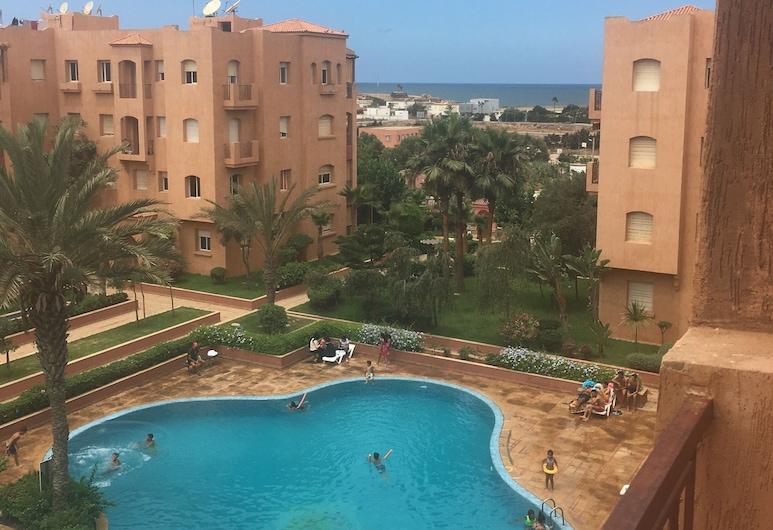 Immaculate 2-bed Apartment, El Mansouria, Apartemen, Beberapa Tempat Tidur, Kolam Renang