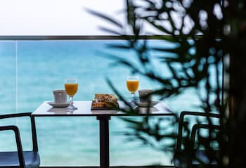 雷西姆農North Coast Seaside Luxury Suites的相片