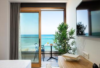 Fotografia do North Coast Seaside Luxury Suites em Retimno
