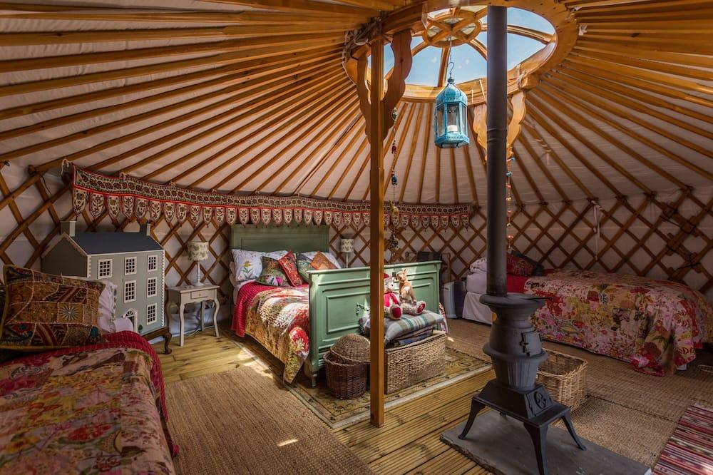 Mongolian Yurt - غرفة معيشة