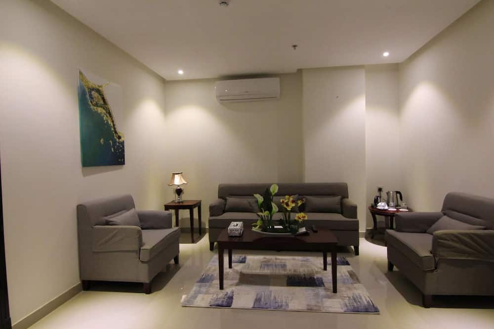 Classic Double or Twin Room, 1 Bedroom - Living Area