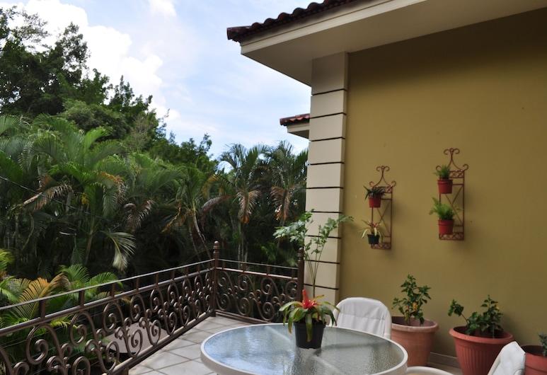 Del Real - Bed & Breakfast, San Pedro Sula, Terrace/Patio