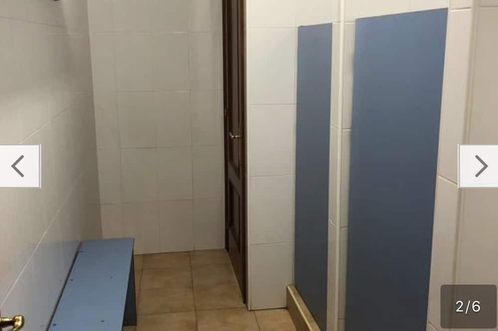 ห้องพักรวม - ห้องน้ำ