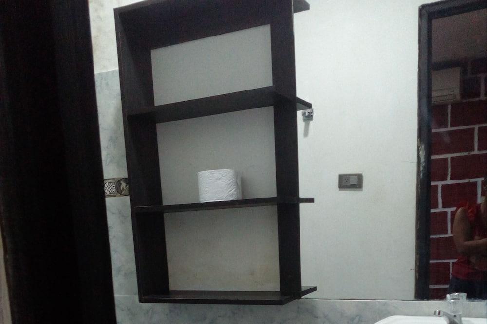 Basic ühiselamu (8) - Vannituba