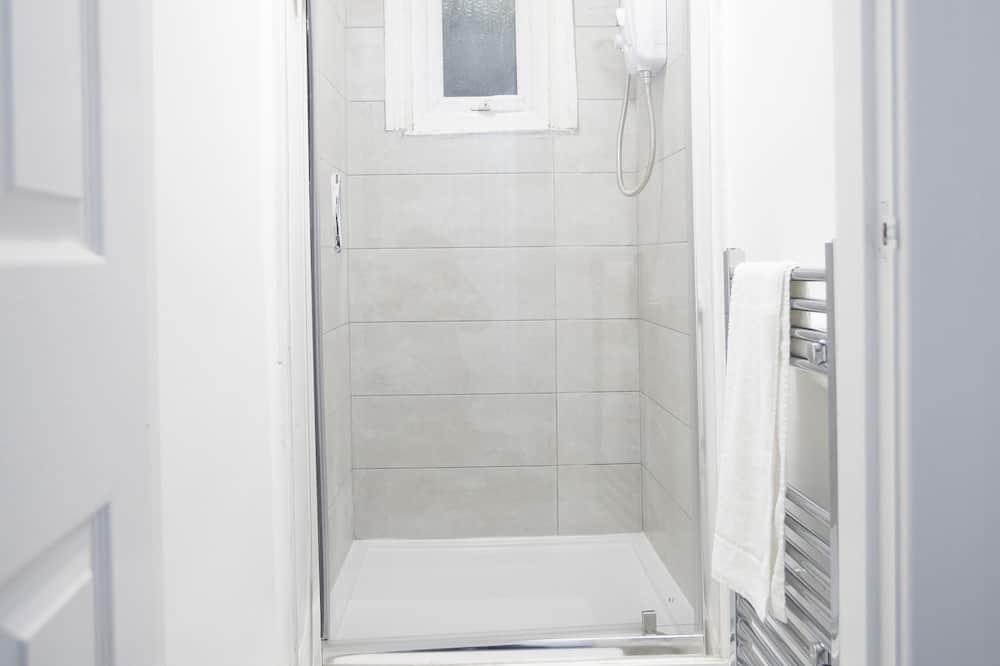 شقة عادية - بحمام خاص (Flat 4) - حمّام
