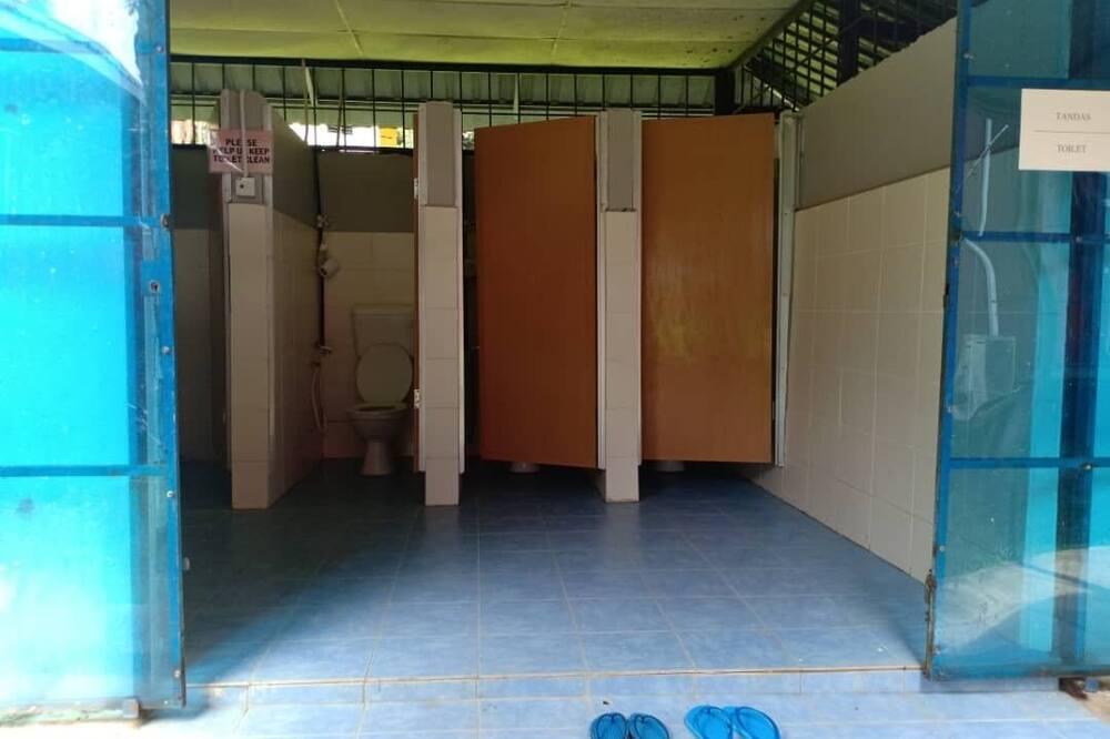 Family Tent - Bathroom