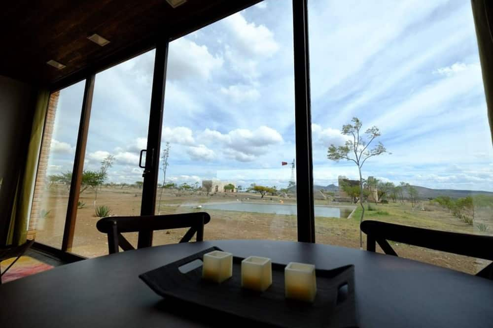 Panorama loft (Casa Nube) - Eetruimte in kamer