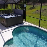 House (Hollywood Dreams) - Pool
