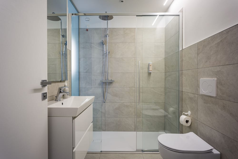 Double Room, Balcony (Bastia) - Bathroom