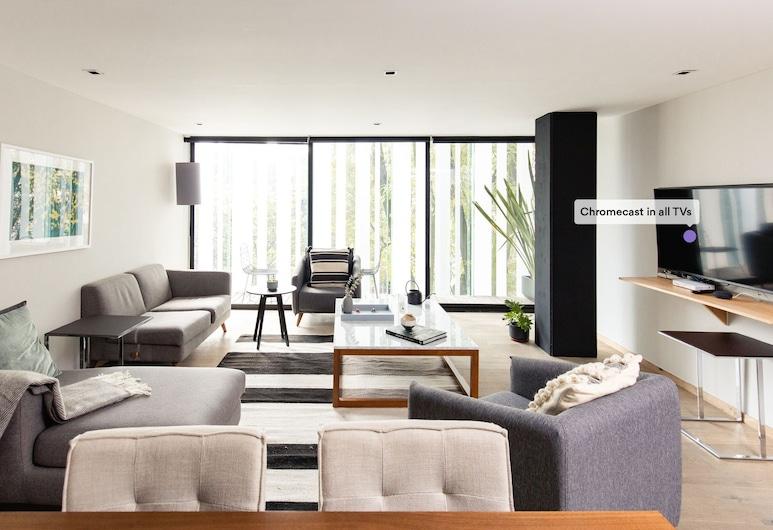 Executive 1BR Oasis With Kitchen & Private Balcony, Cidade do México, Sala de Estar