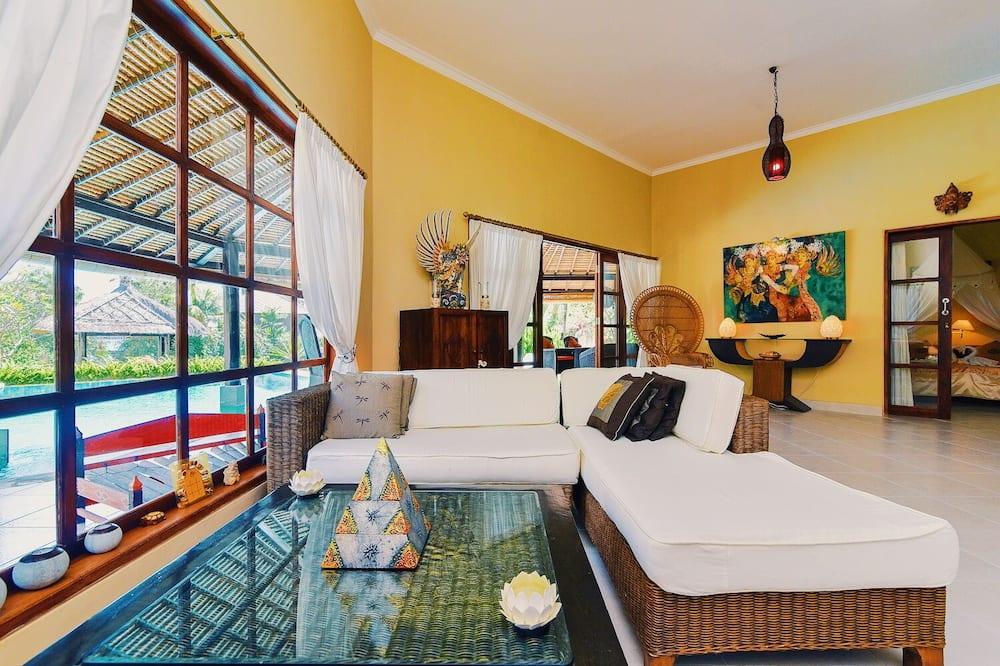 Paaugstināta komforta villa, divas guļamistabas, privāts baseins, skats uz pludmali - Dzīvojamā istaba