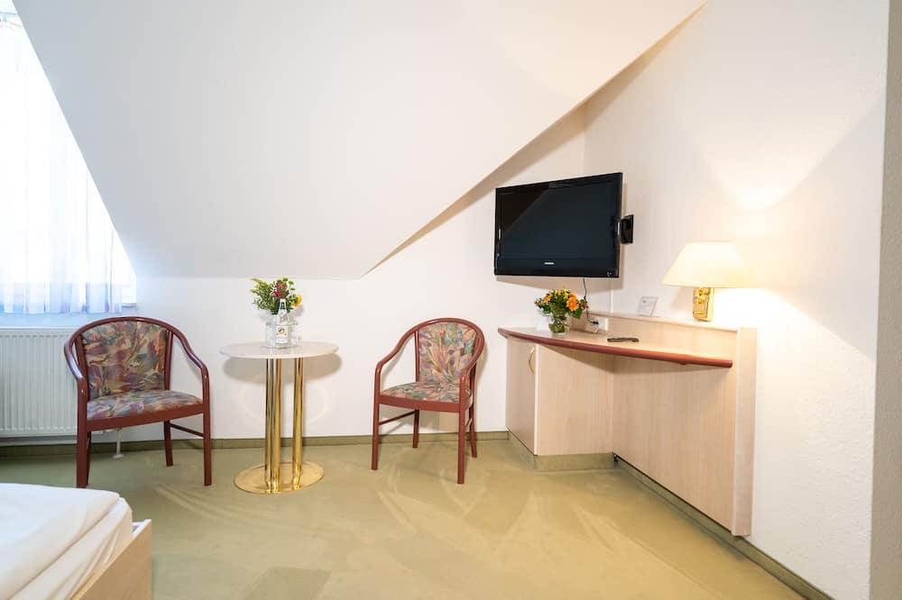 غرفة مزدوجة مريحة - تناول الطعام داخل الغرفة