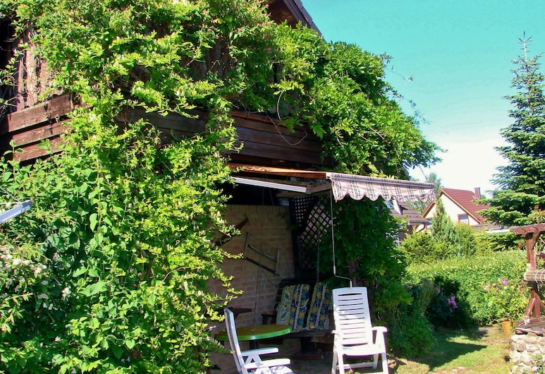 Modern Apartment With Garden, Terrace, Barbecue and Heating, Wendorf (Mecklenburg), Garden
