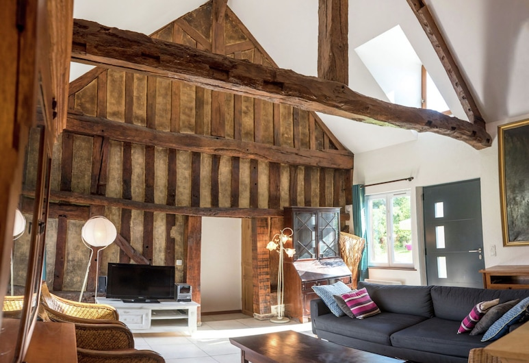 Characteristic, 16-th Century House With Heated Swimming Pool, Courtonne-les-Deux-Eglises, House, Living Room