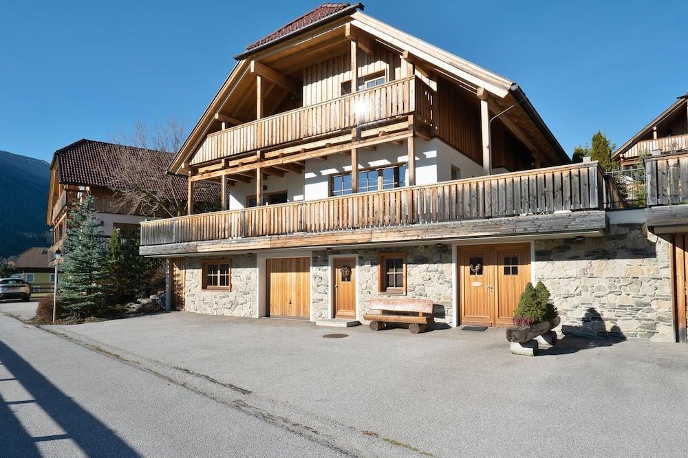Opulent Chalet in Mauterndorf With Whirlpool & Sauna