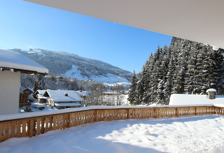 Luxurious Holiday Home With Jacuzzi in Wagrain Austria, Wagrain